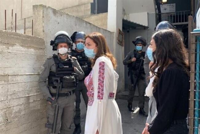 إسرائيل تحاصر المرأة الفلسطينية حتى في يومها العالمي